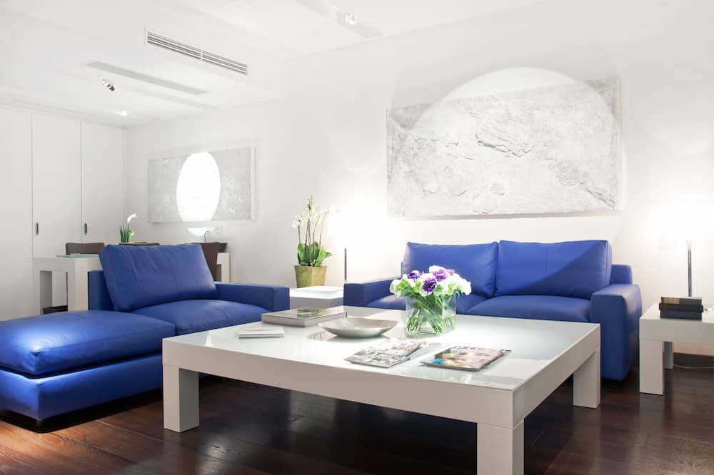 Prestige Suite For Single Occupancy - Living Area