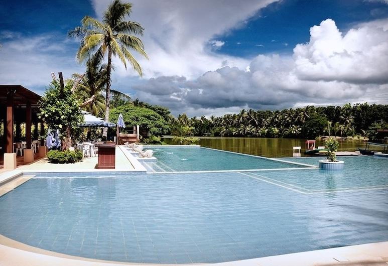 San Antonio Resort, Roxas City, Piscina Exterior