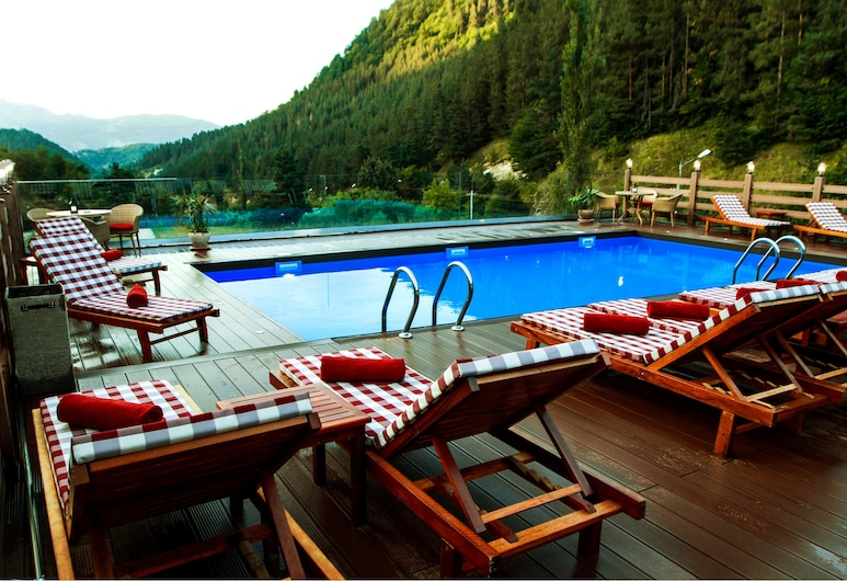 Best Western Plus Paradise Hotel Dilijan, Dilijan, Outdoor Pool