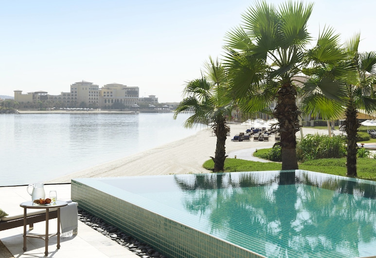 The Ritz-Carlton Abu Dhabi, Grand Canal, Abu Dhabi, Villa, 2 soverom (Waterfront, Plunge pool), Svømmebasseng