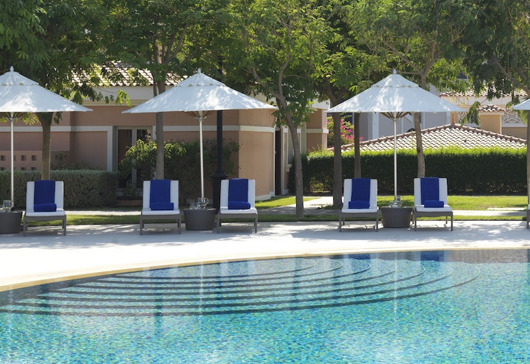 The Ritz-Carlton Abu Dhabi, Grand Canal, Abu Dhabi, Pool