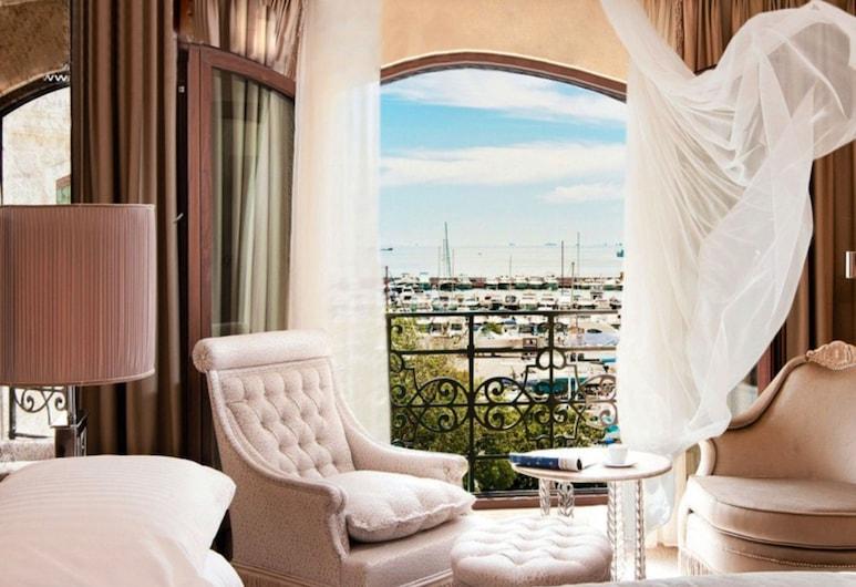 Wyndham Grand Istanbul Kalamis Marina Hotel, Istambuł, Pokój Deluxe, widok na morze, Pokój
