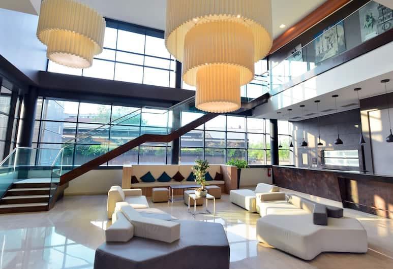 Hilton Garden Inn Milan North, Milano, Sittområde i lobbyn