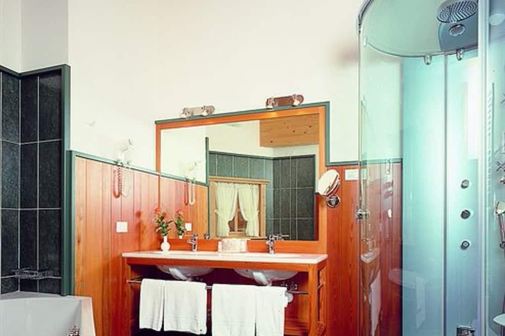 غرفة سوبريور ثلاثية - حمّام