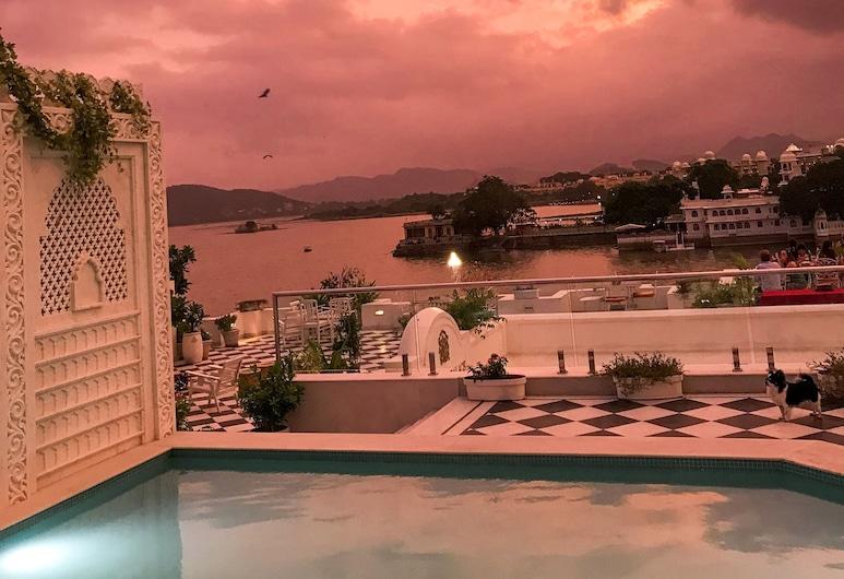 Jagat Niwas Palace, Udaipur, Pool på tagterrassen