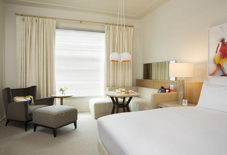 21c Museum Hotel Bentonville - MGallery, Bentonville, Deluxe Room, 1 King Bed, Guest Room
