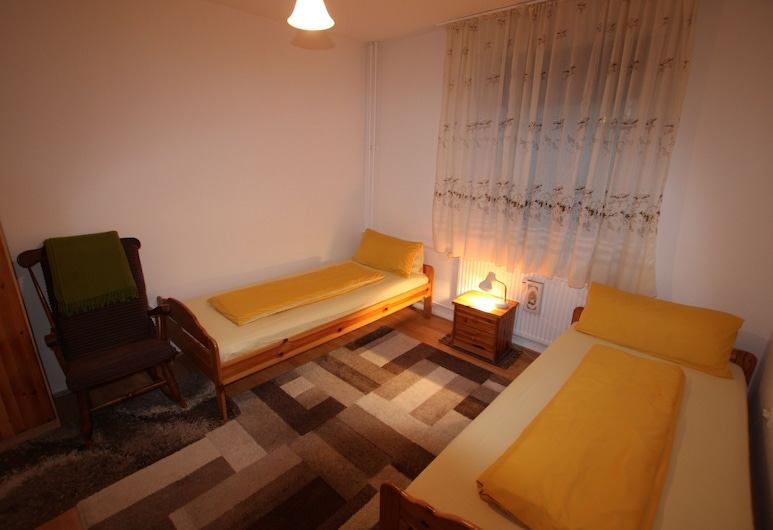 ABT Private Rooms - Hannover, Hannover, Family Twin Room, Shared Bathroom, Guest Room