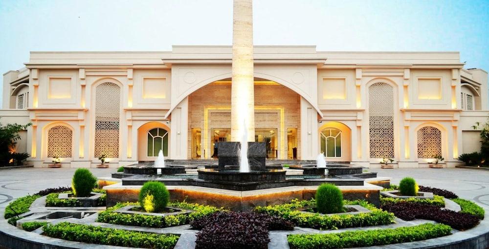 The Umrao, New Delhi