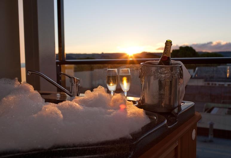 Quest Rotorua Central, Rotorua, Estudio ejecutivo, 1 cama de matrimonio grande, bañera de hidromasaje, Balcón