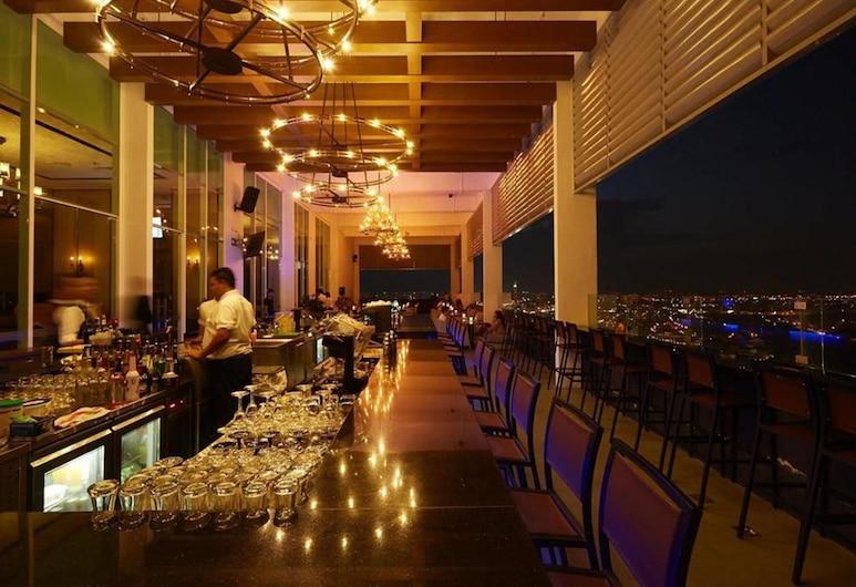 Hatten Hotel Melaka, Malacca City, בר המלון