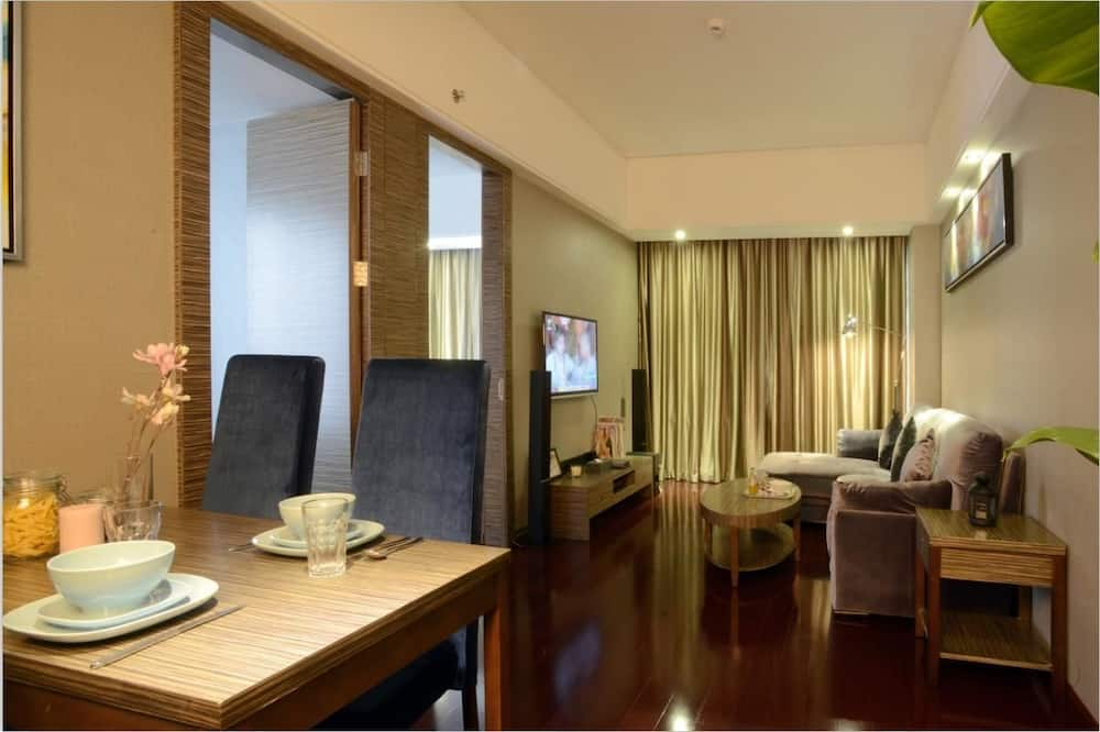 Family Suite(Including 3 Breakfast) - Living Room