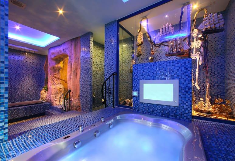 莎多堡奇幻旅館, 台北市, 皇后房-傍晚六點鐘後入住, 按摩浴缸