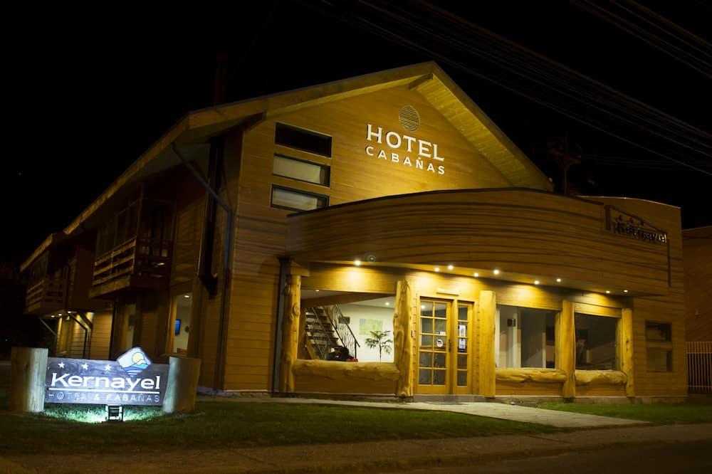 Hotel Kernayel