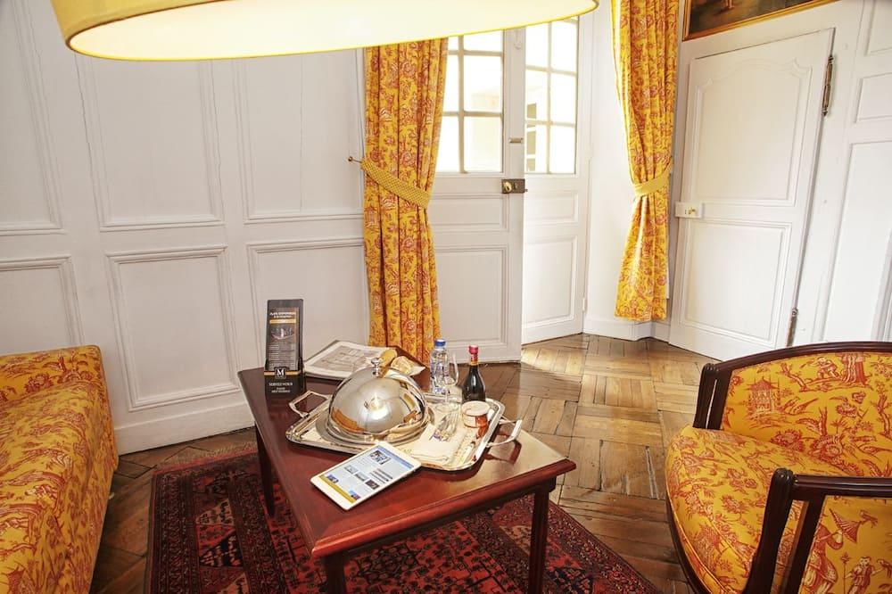 Superior Suite (Minq) - Living Area
