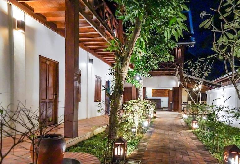 Villa Chitchareune Boutique Hotel, Luang Prabang, Hotellets front