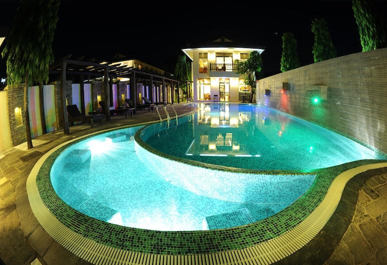 Atithi Resort & Spa, Pokhara, Vidaus baseinas