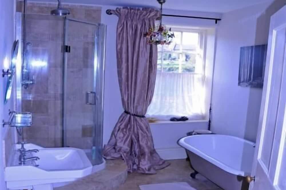 ห้องสตูดิโอสวีท - ห้องน้ำ