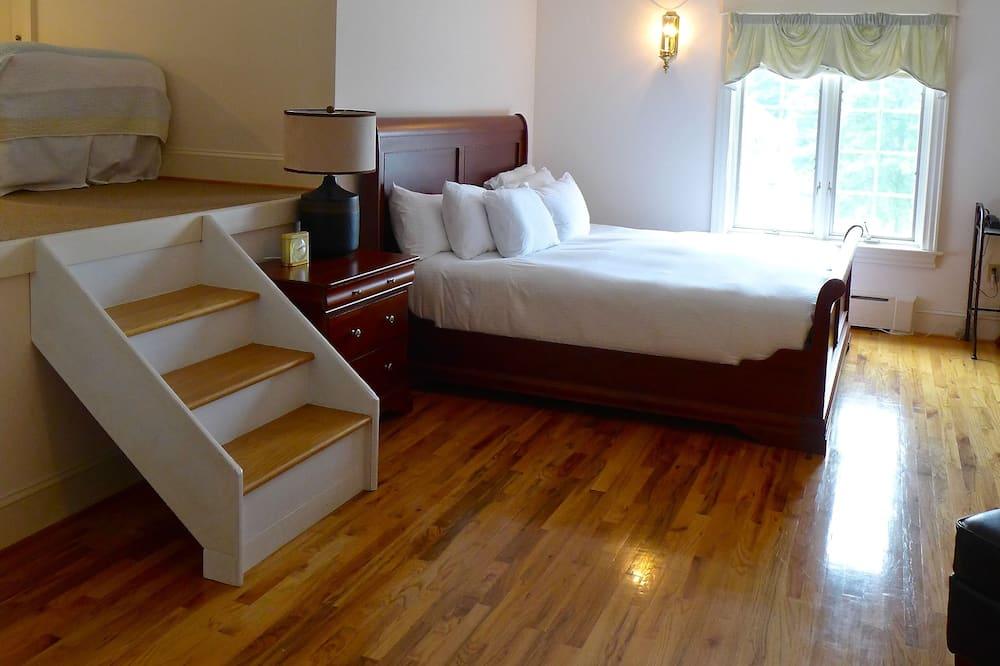 Suite, várias camas - Quarto