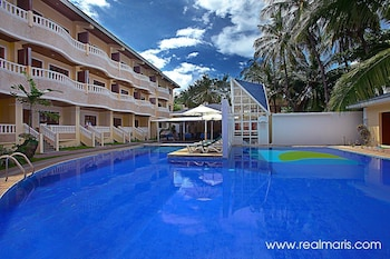 Picture of Real Maris Resort & Hotel in Boracay Island
