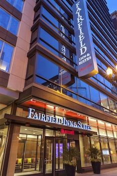 Picture of Fairfield Inn & Suites Chicago Downtown/River North in Chicago