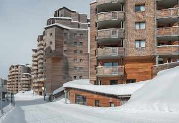 Enter your dates to get the Morzine hotel deal