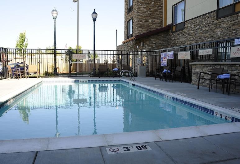 TownePlace Suites Redding, Redding, Outdoor Pool