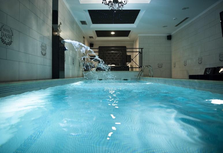 達什飯店, 諾維薩