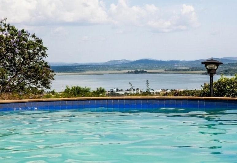 Cassia Lodge, Kampala, Piscina
