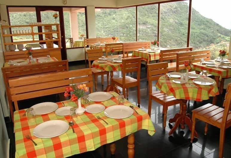 Fortune Retreats, Ooty, Dining
