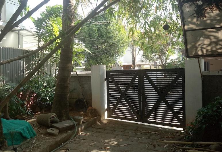 Adams Wood House, Kochi, Garden