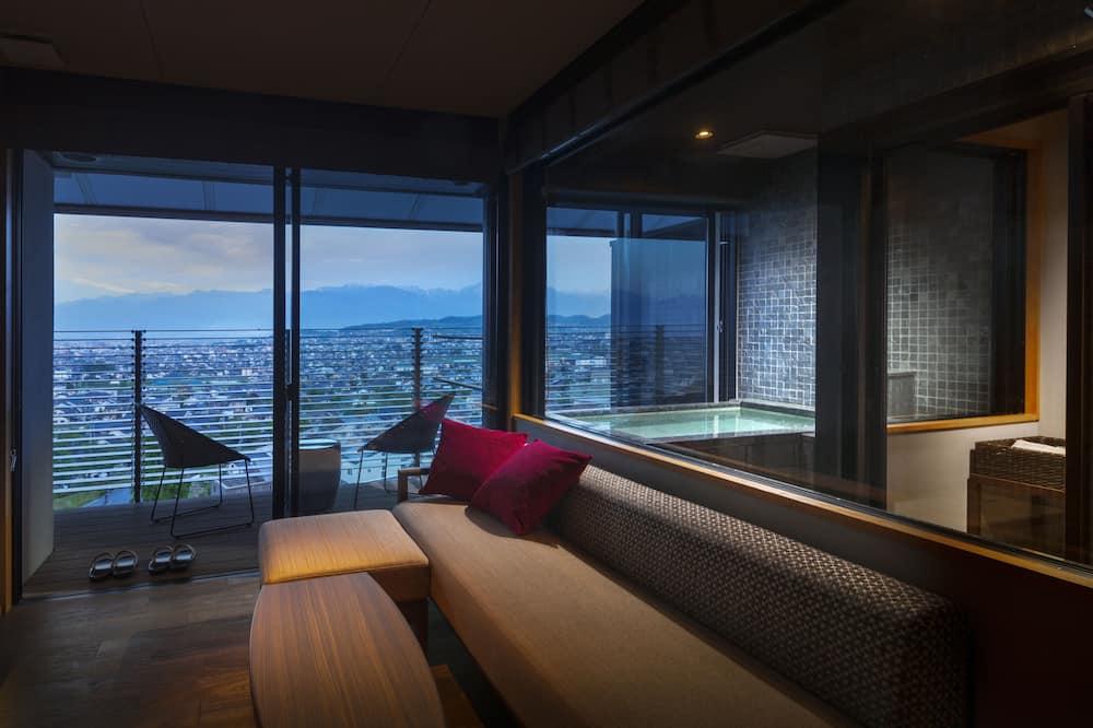 Traditional-huone (W/living room& Open Air Bath&Terrace) - Vierashuone