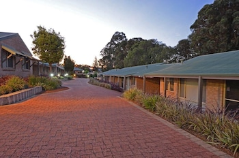 Picture of Quality Suites Banksia Gardens WA in Albany