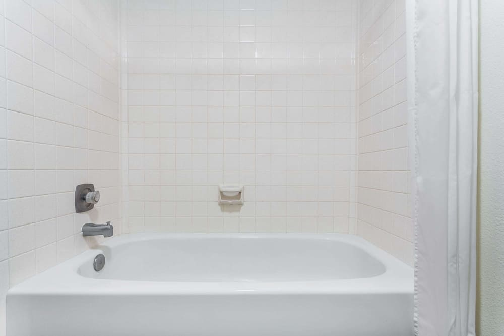 Phòng, 1 giường cỡ queen - Phòng tắm