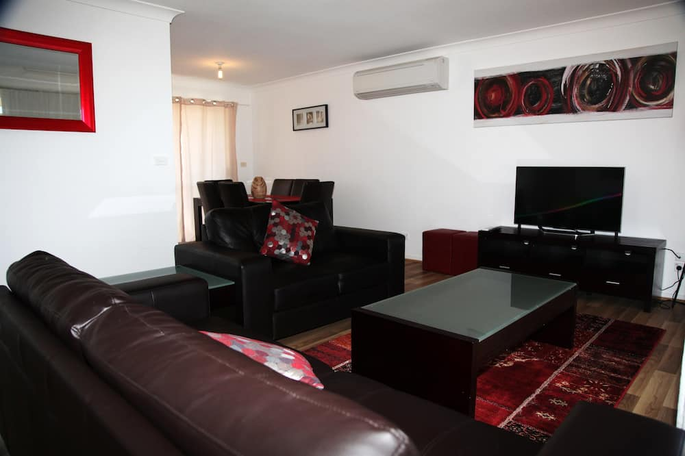 Family Cottage, 3 Bedrooms, Kitchen - Living Area