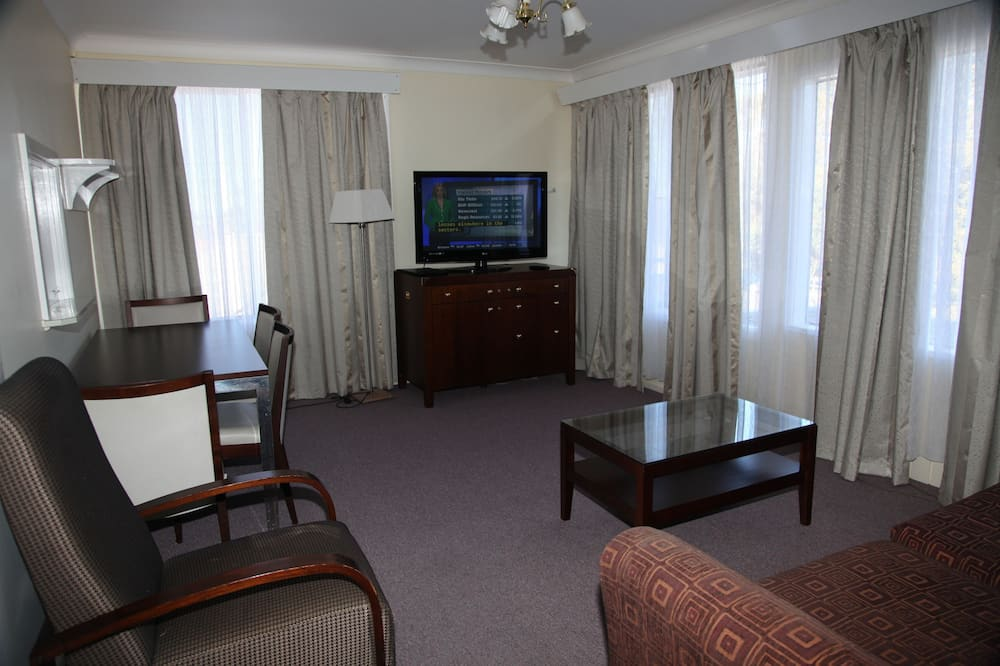 Executive Apartment, 2 Bedrooms, Kitchen - Living Room