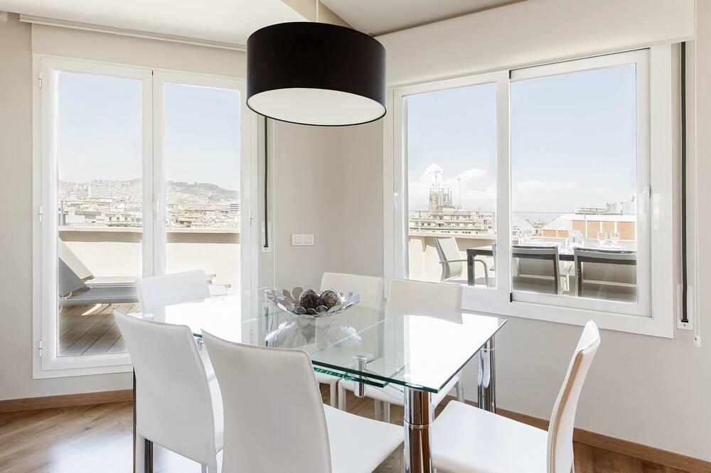 Penthouse, 3 slaapkamers, Uitzicht op de stad (4-6 adults) - Eetruimte in kamer