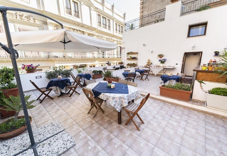 Guesthouse B&B Garibaldi, Trapani, Terrace/Patio