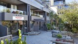 Choose This Mid-Range Hotel in Queenstown