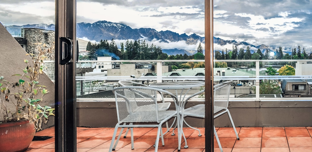 The Lofts Apartments Queenstown Balcony