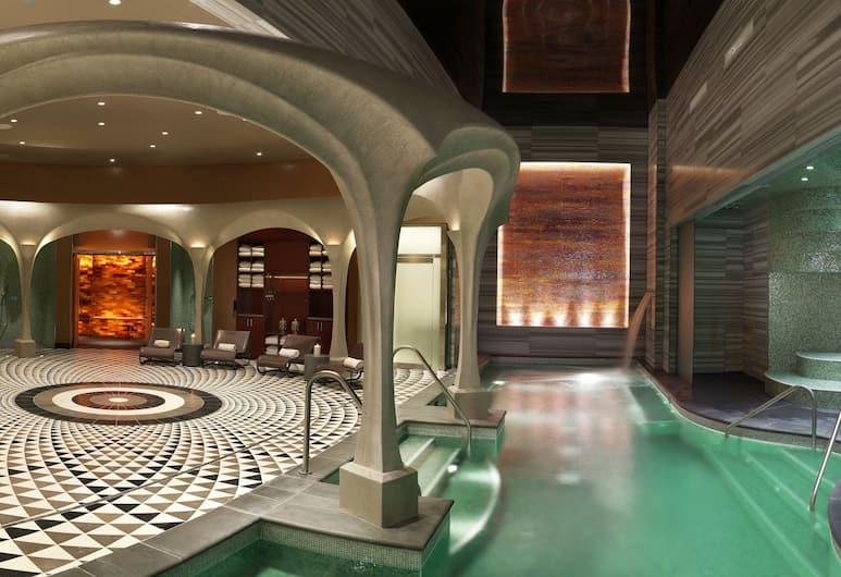 Ocean Casino Resort, Atlantic City, Indoor Pool