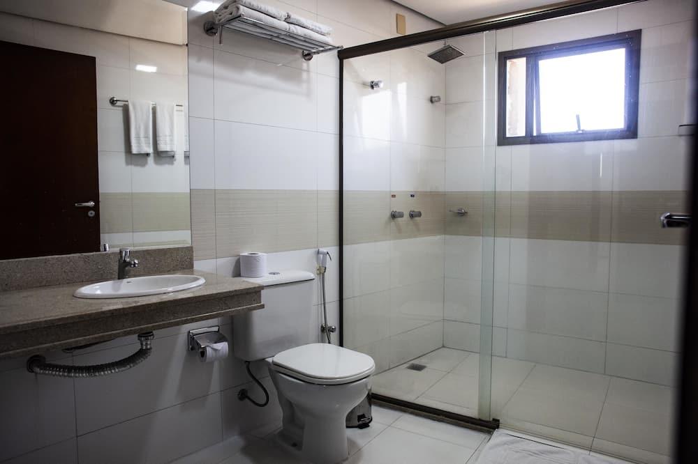 Розкішний тримісний номер - Ванна кімната