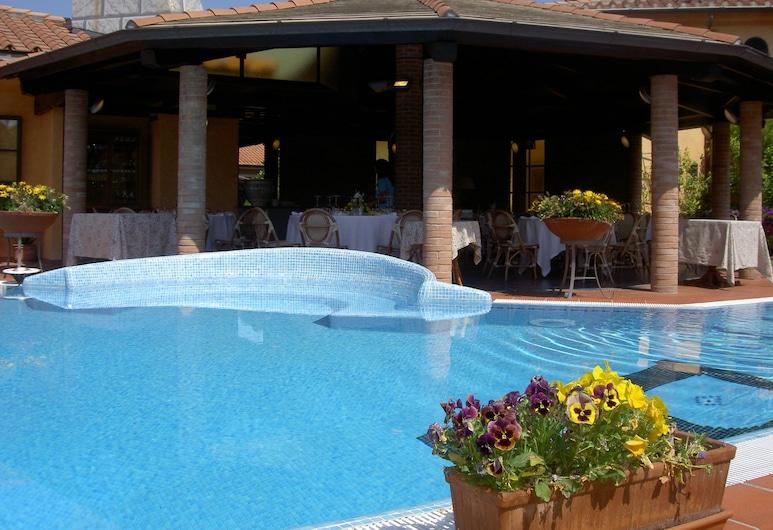 Hotel La Pietra, Fosdinovo, Piscina al aire libre