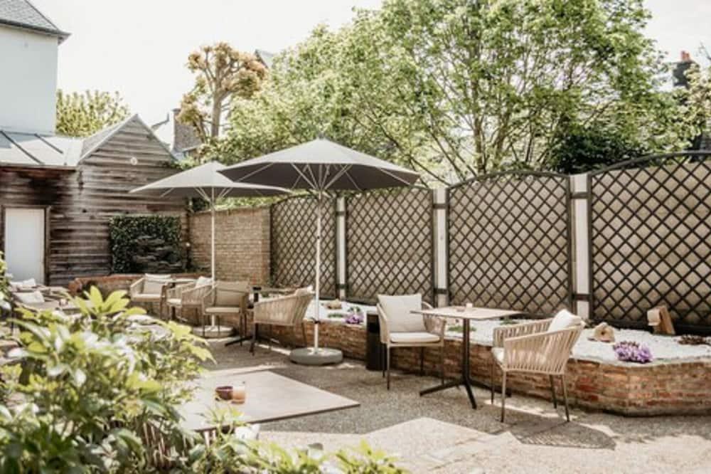 Double Room, Garden View - Courtyard View