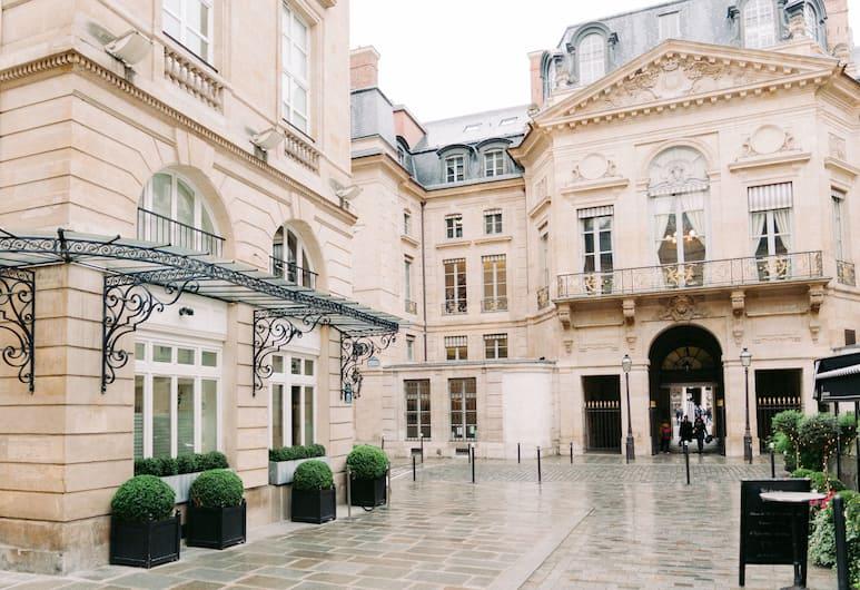 Grand Hotel du Palais Royal, Paříž, Exteriér
