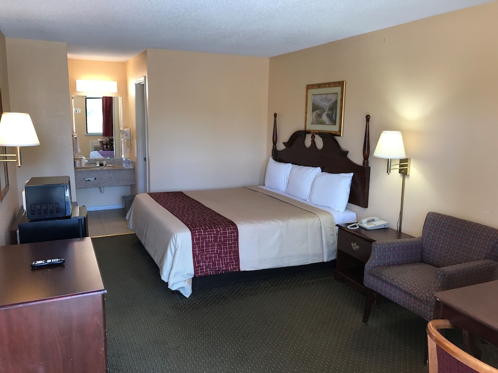 Motor Inns Of America, Madisonville, Standard Room, 1 King Bed, Non Smoking