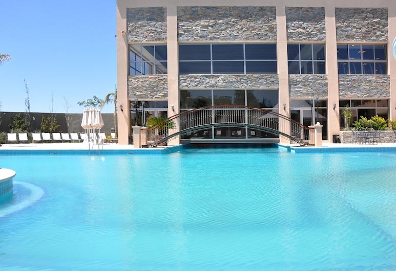 阿梅里安卡洛斯五世賭場酒店, Termas de Rio Hondo, 室外泳池