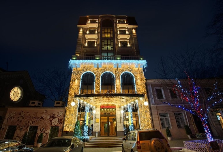 California Boutique Hotel, Odessa, Hotel Front – Evening/Night