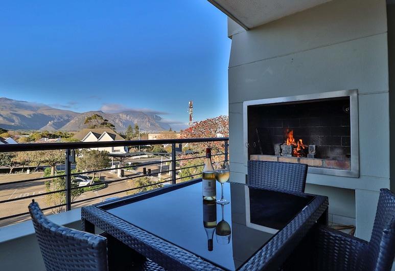 Whale Coast Hotel, Hermanus, Three Bedroom Apartment, Guest Room View