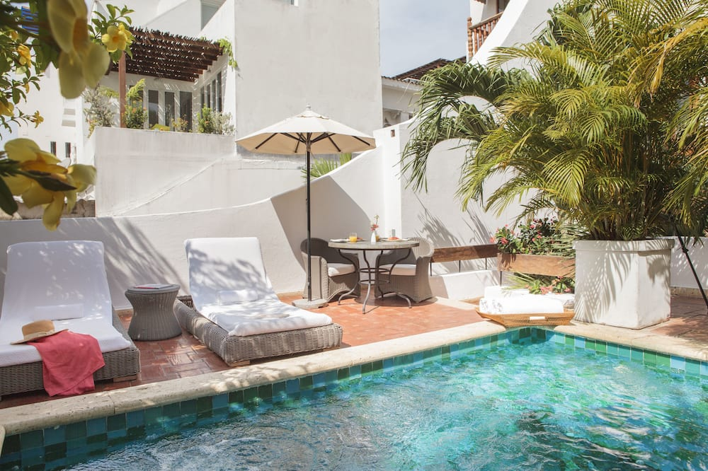 Premium Room, Jetted Tub, Garden View - Outdoor Pool
