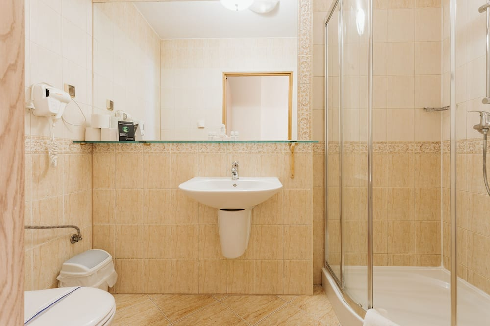 Deluxe Double or Twin Room, 1 Bedroom, Kitchenette, Mountain View - Bathroom